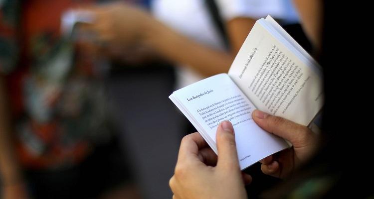 Lanzan renovada versión de Bío Bío en 100 palabras: textos se recibirán hasta fines de octubre