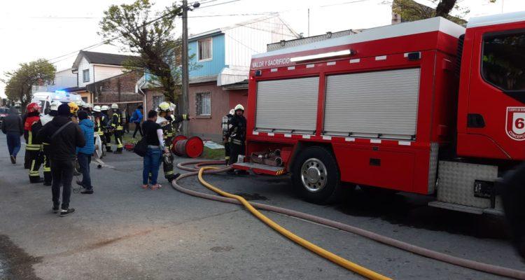 Incendio deja adulto mayor con quemaduras en espalda y cabeza en Concepción: hay dos casas afectadas